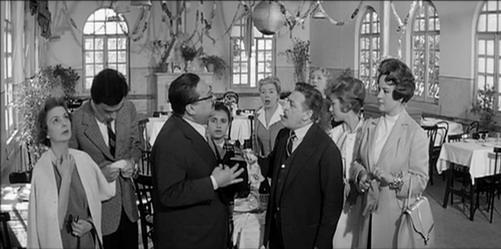 Risultati immagini per totò, fabrizi e i giovani d'oggi film 1960